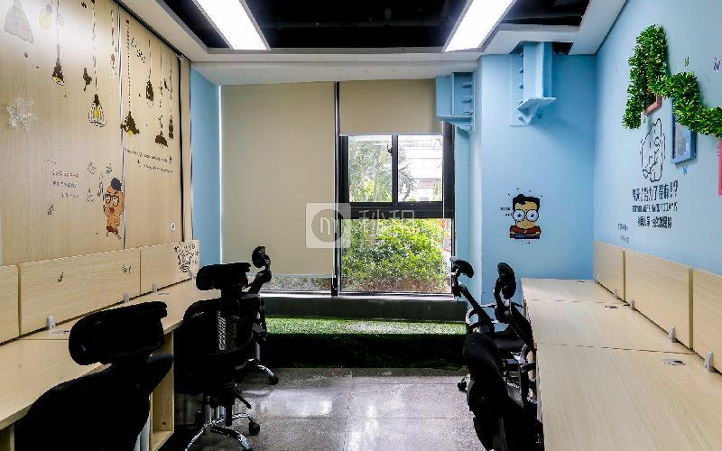 华强广场-华强创客中心写字楼出租24平米豪装办公室7200元/间.月