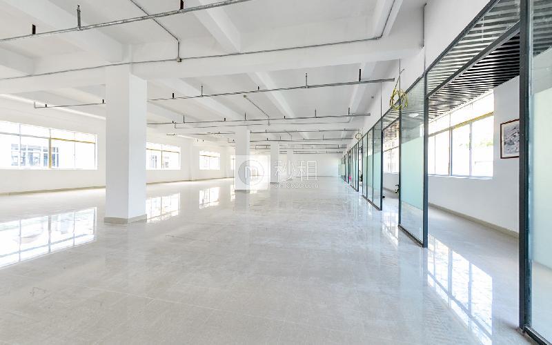 银华大厦写字楼出租64平米简装办公室60元/m².月