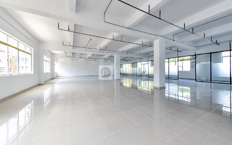 银华大厦写字楼出租142平米简装办公室60元/m².月