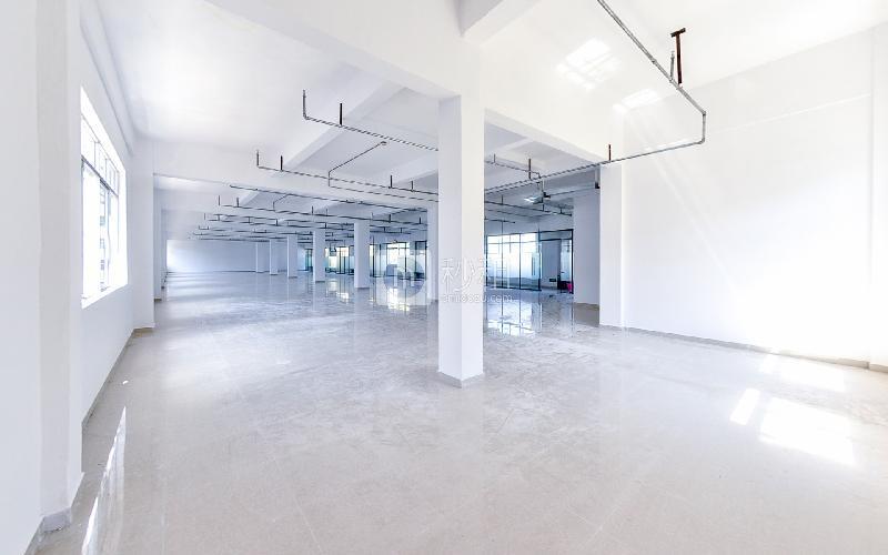 银华大厦写字楼出租428平米简装办公室60元/m².月