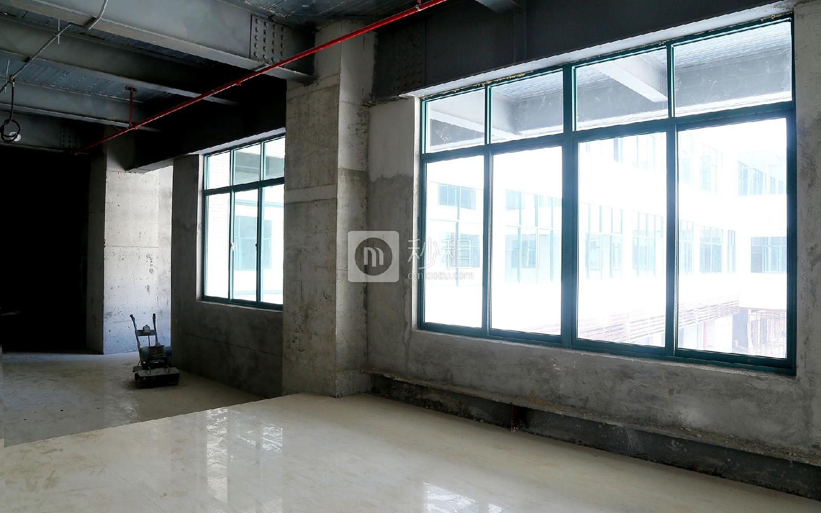 吉盛楼写字楼出租496平米毛坯办公室60元/m².月