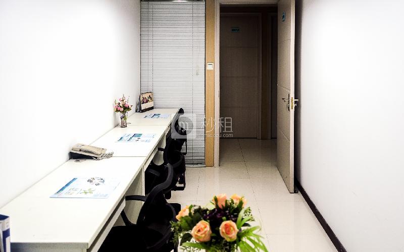 达信大厦-创富港写字楼出租11平米简装办公室3620元/间.月