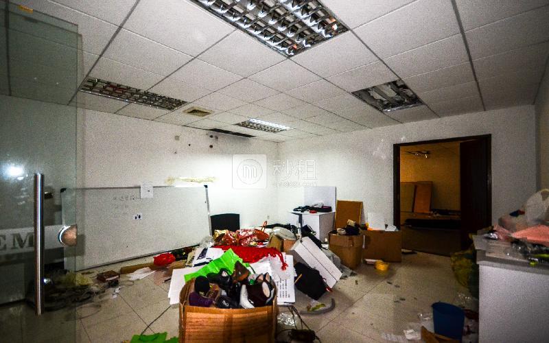 科达商务大厦写字楼出租100平米简装办公室65元/m².月