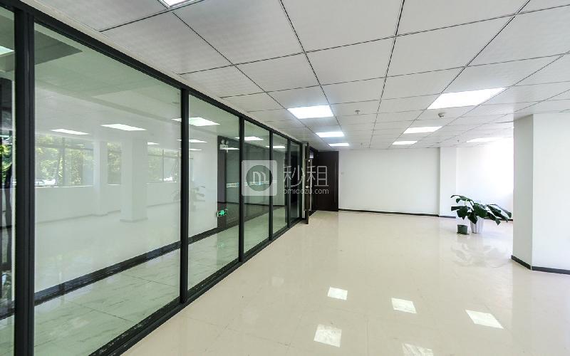 鹏兴盛商务中心写字楼出租105平米简装办公室58元/m².月