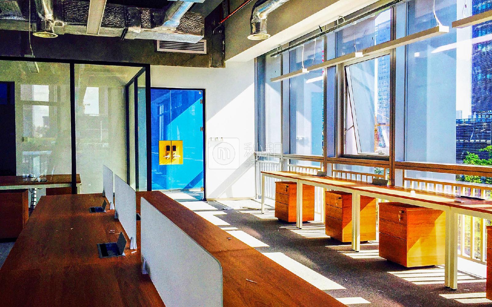 阿里中心大厦-优客工场写字楼出租78平米豪装办公室19500元/间.月