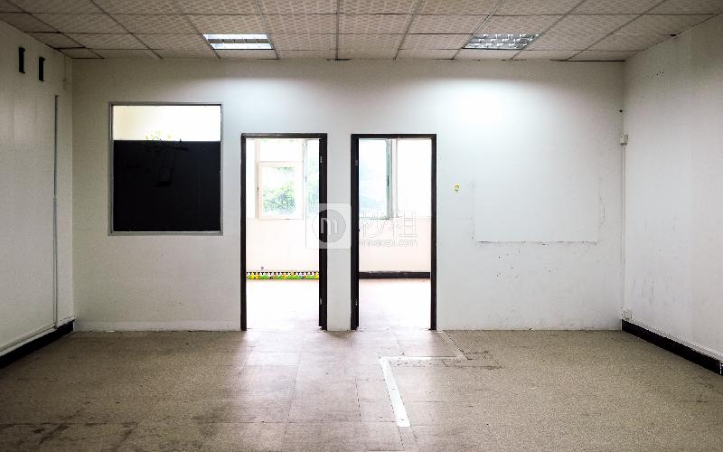 鼎昌商务中心写字楼出租96平米毛坯办公室50元/m².月