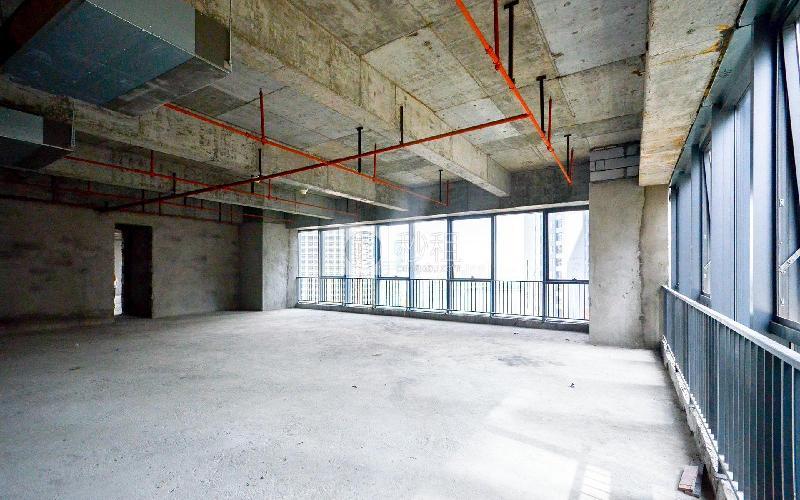 广物中心写字楼出租216平米毛坯办公室150元/m².月
