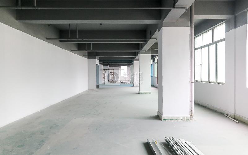 华荣楼电商园写字楼出租200平米简装办公室38元/m².月