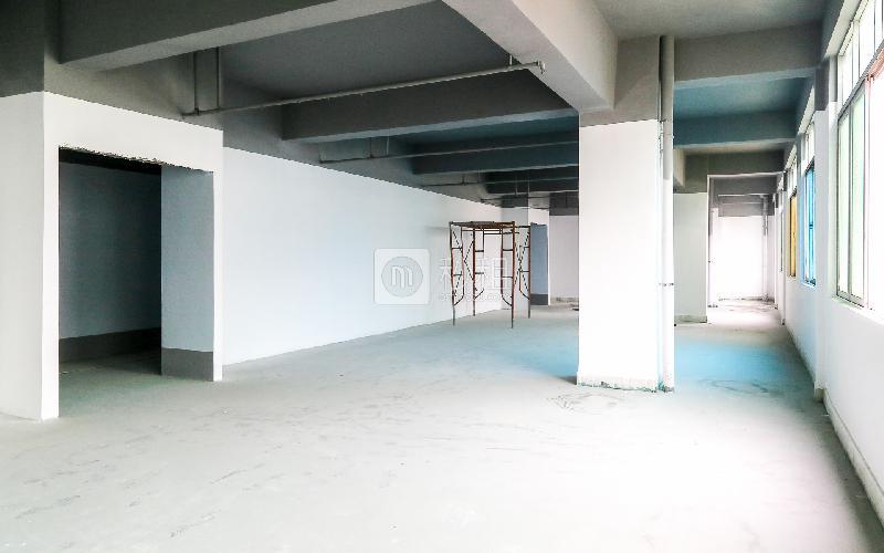 华荣楼电商园写字楼出租210平米简装办公室38元/m².月