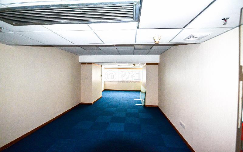 广东国际大厦写字楼出租74平米简装办公室155元/m².月