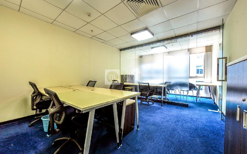 财富港国际中心-欧德威商务中心写字楼出租55平米豪装办公室8800元/间.月