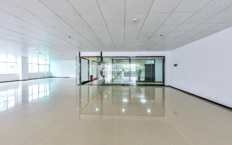 索佳科技园写字楼出租543平米精装办公室50元/m².月