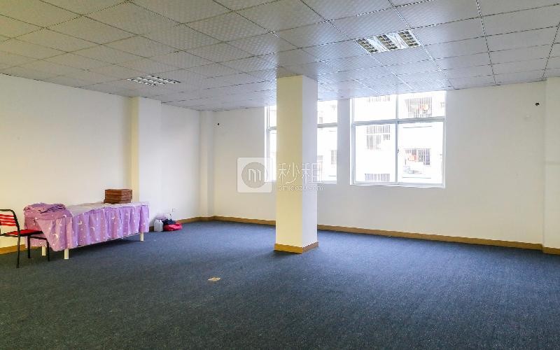 大浪商业中心32栋写字楼出租115平米简装办公室45元/m².月