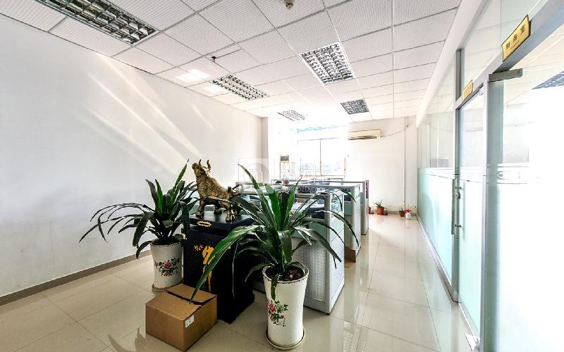 杰鹏商业广场写字楼出租115平米精装办公室33元/m².月