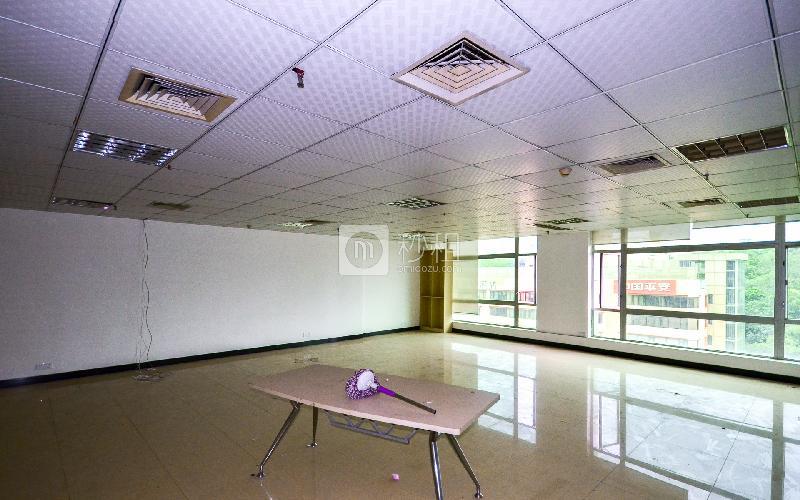 盘福大厦写字楼出租210平米简装办公室110元/m².月