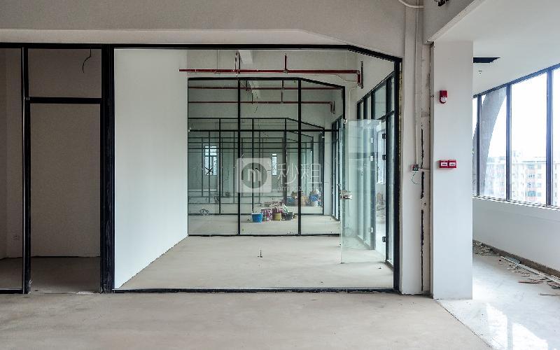 江南坊写字楼出租96平米毛坯办公室120元/m².月