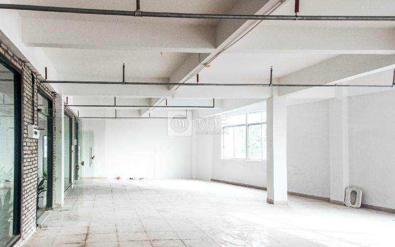 杨协成电子创意园写字楼出租288平米简装办公室77元/m².月