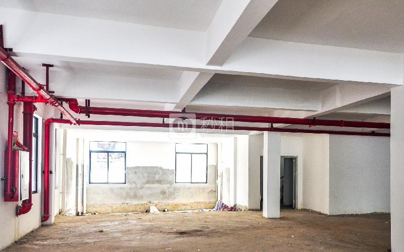 广一电子商务产业园 写字楼出租180平米毛坯办公室90元/m².月