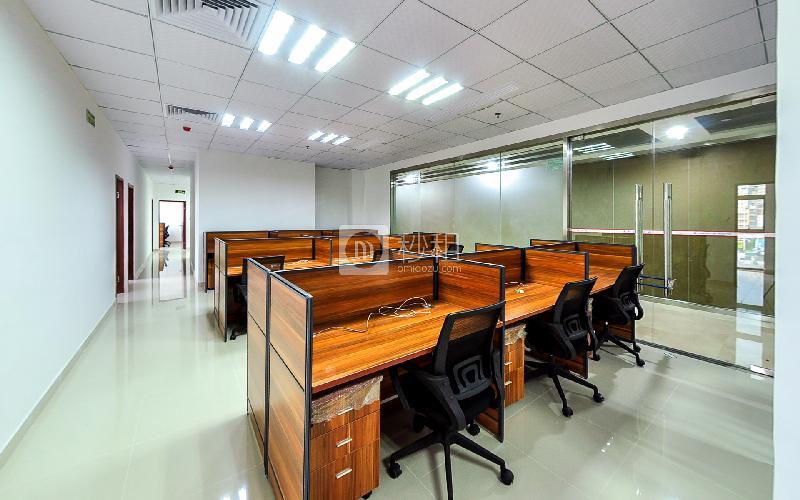 美兰国际商务中心-携创商务中心写字楼出租5平米精装办公室799元/工位.月