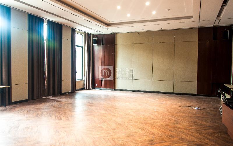 广州本土中心设计产业园写字楼出租230平米精装办公室80元/m².月