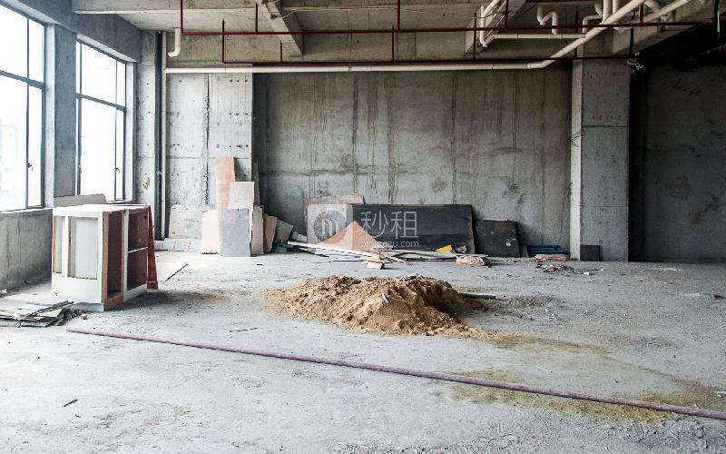 盛美大厦写字楼出租268平米毛坯办公室48元/m².月