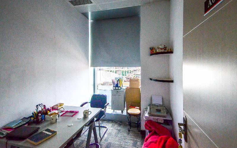 广州银行大厦-创富港写字楼出租7平米简装办公室2660元/间.月
