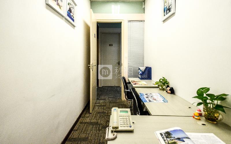 广州银行大厦-创富港写字楼出租5平米简装办公室1865元/间.月