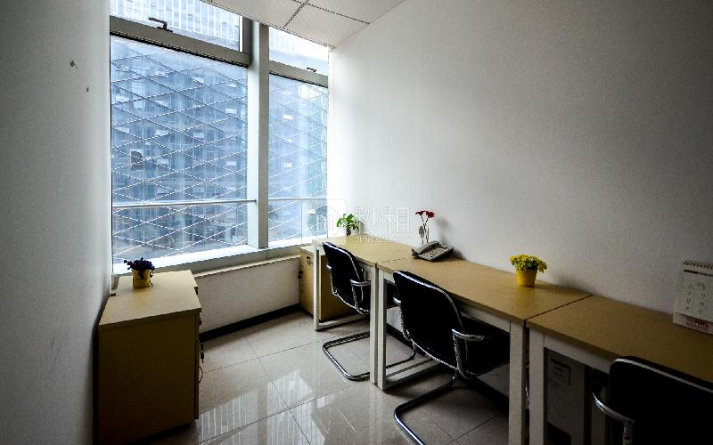 保利威座大厦-创富港写字楼出租6平米精装办公室2880元/间.月