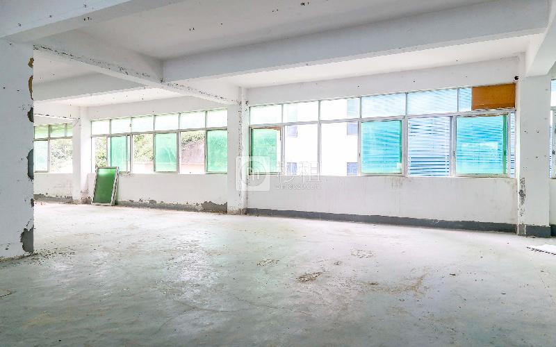 百利源研发电商园写字楼出租118平米简装办公室27元/m².月
