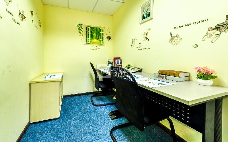 华佳广场-创富港写字楼出租6平米精装办公室1680元/间.月