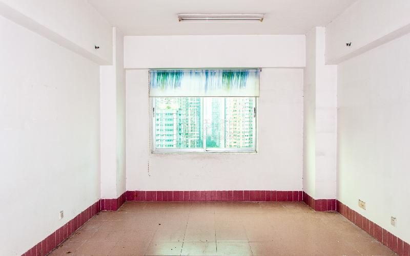 龙口科技大厦写字楼出租42平米简装办公室90元/m².月