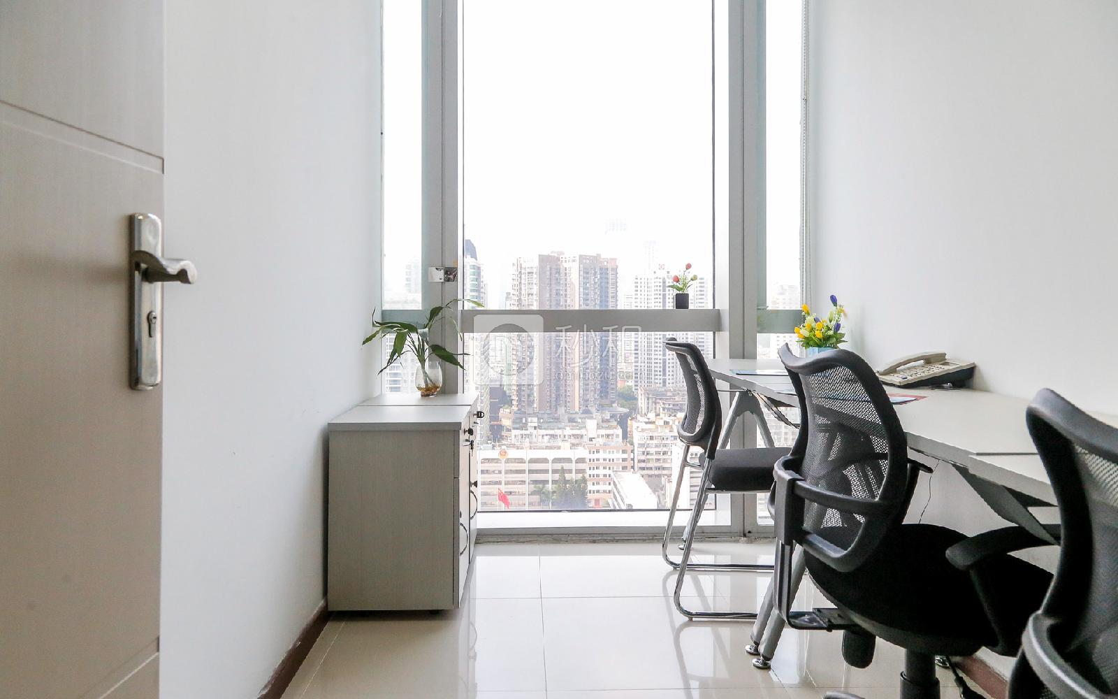 创富港-大中华国际金融中心写字楼出租11平米简装办公室4460元/间.月