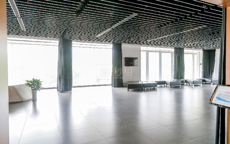 劲嘉科技大厦写字楼出租241平米精装办公室135元/m².月