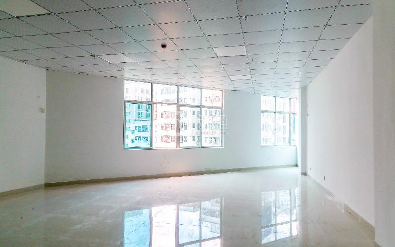 万通综合楼写字楼出租95平米简装办公室50元/m².月