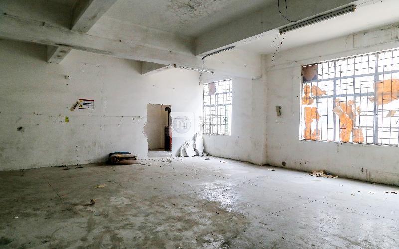 概念投资产业园写字楼出租200平米毛坯办公室30元/m².月
