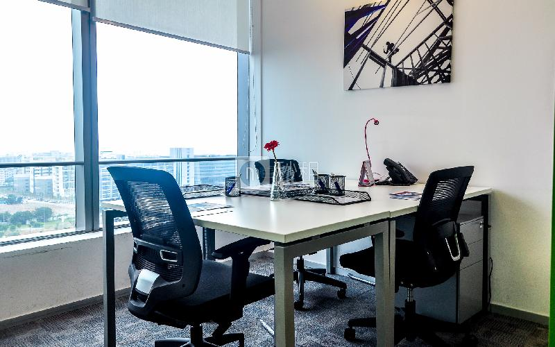 南丰汇-雷格斯商务中心写字楼出租8平米精装办公室3700元/间.月