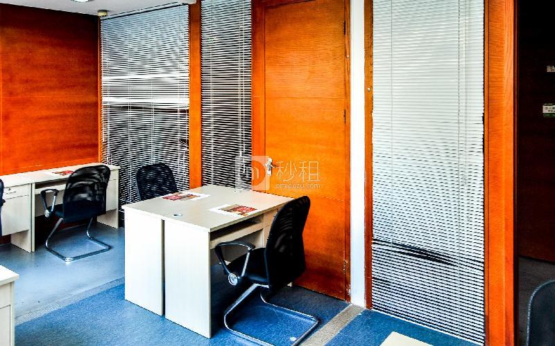 广州交易广场-企创商务中心写字楼出租10平米精装办公室3580元/间.月