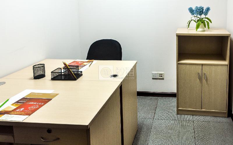 富力天河商务大厦-企创商务中心写字楼出租10平米简装办公室3080元/间.月