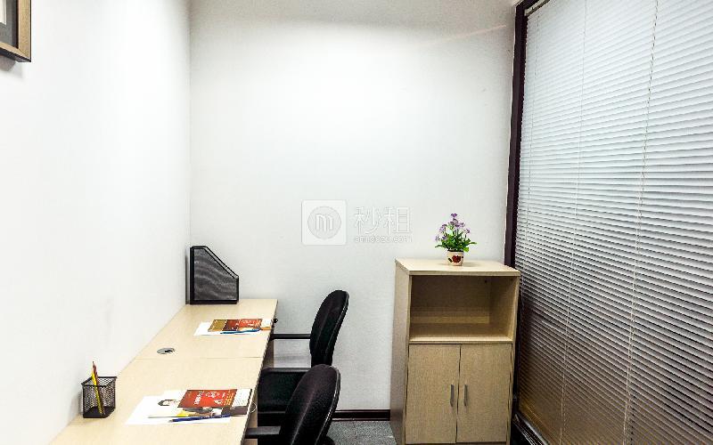 富力天河商务大厦-企创商务中心写字楼出租10平米简装办公室3380元/间.月