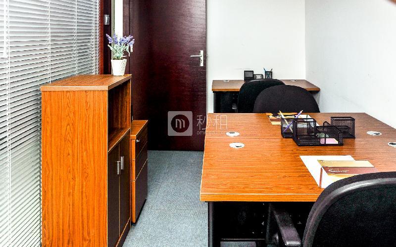 新达城广场-企创商务中心写字楼出租10平米简装办公室1600元/间.月