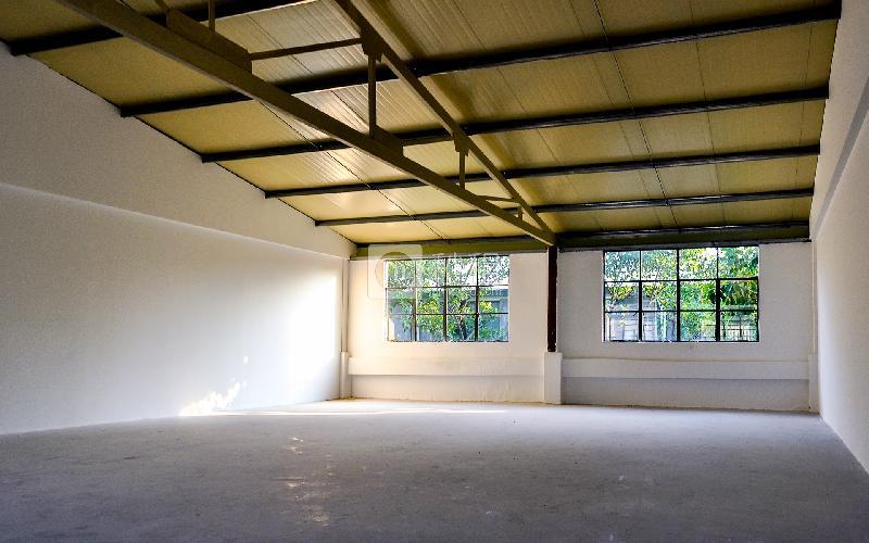 北岛创意园写字楼出租315平米毛坯办公室65元/m².月