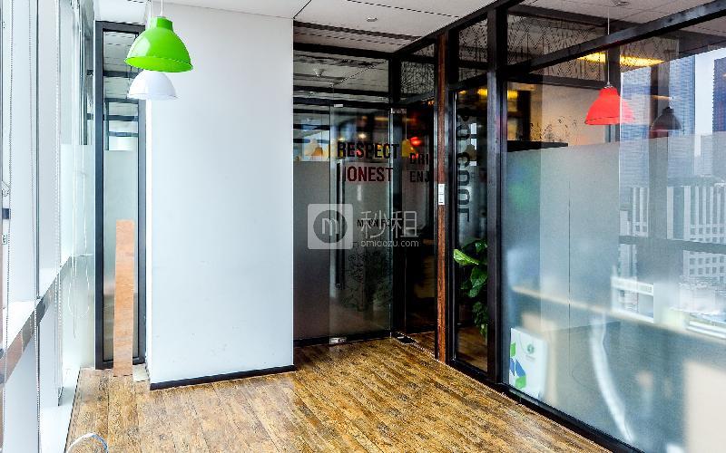 富力盈凯广场-cowork酷窝写字楼出租8平米豪装办公室11400元/间.月