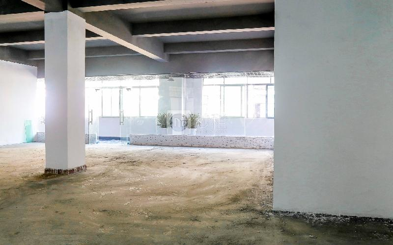 恒特美大厦写字楼出租227平米毛坯办公室38元/m².月