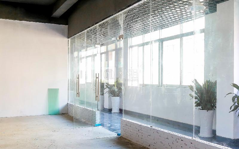 恒特美大厦写字楼出租263平米毛坯办公室38元/m².月