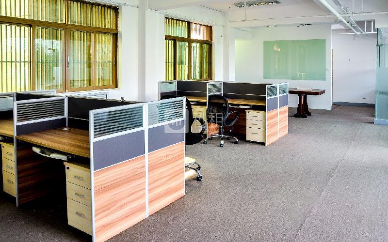 齐天下商务中心写字楼出租200平米简装办公室80元/m².月