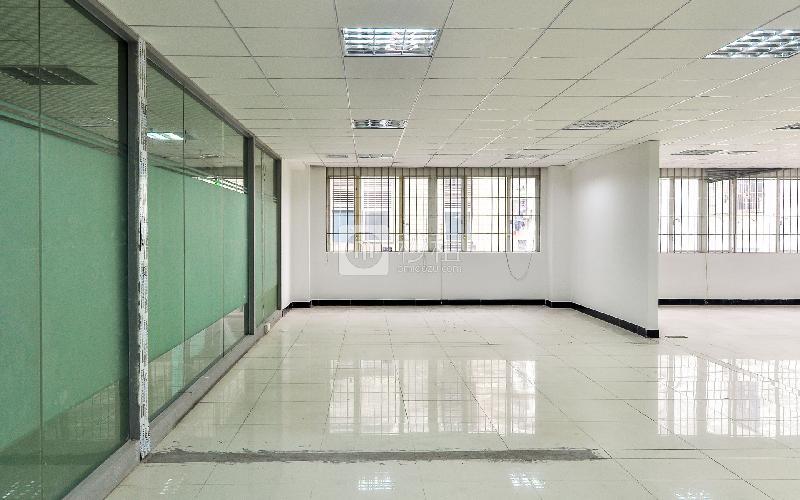金豪商务大厦写字楼出租318平米简装办公室75元/m².月