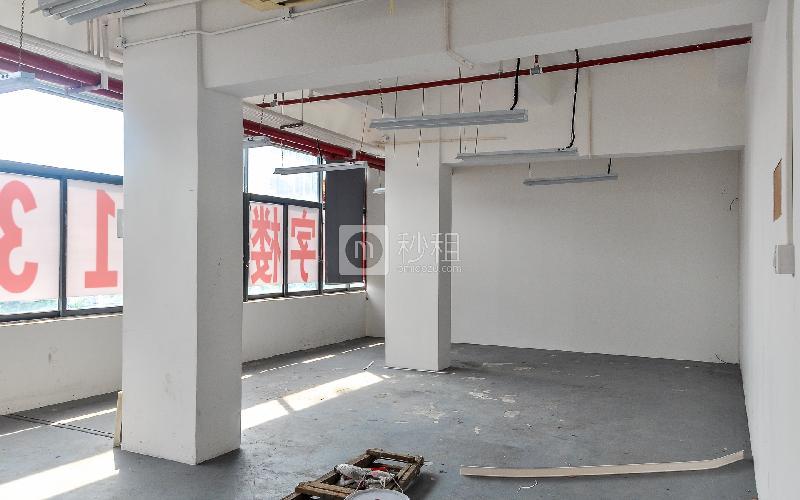 大东汇商务港写字楼出租145平米简装办公室90元/m².月