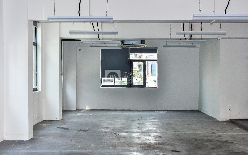 大东汇商务港写字楼出租500平米简装办公室90元/m².月