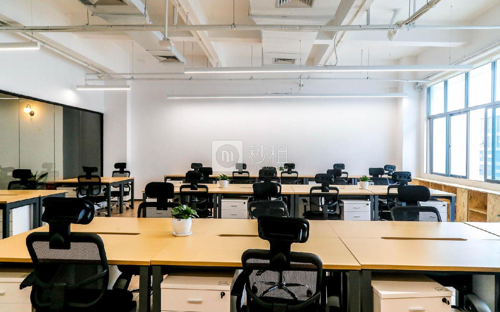飞扬科技园-思微SimplyWork7.0写字楼出租5平米精装办公室880元/工位.月