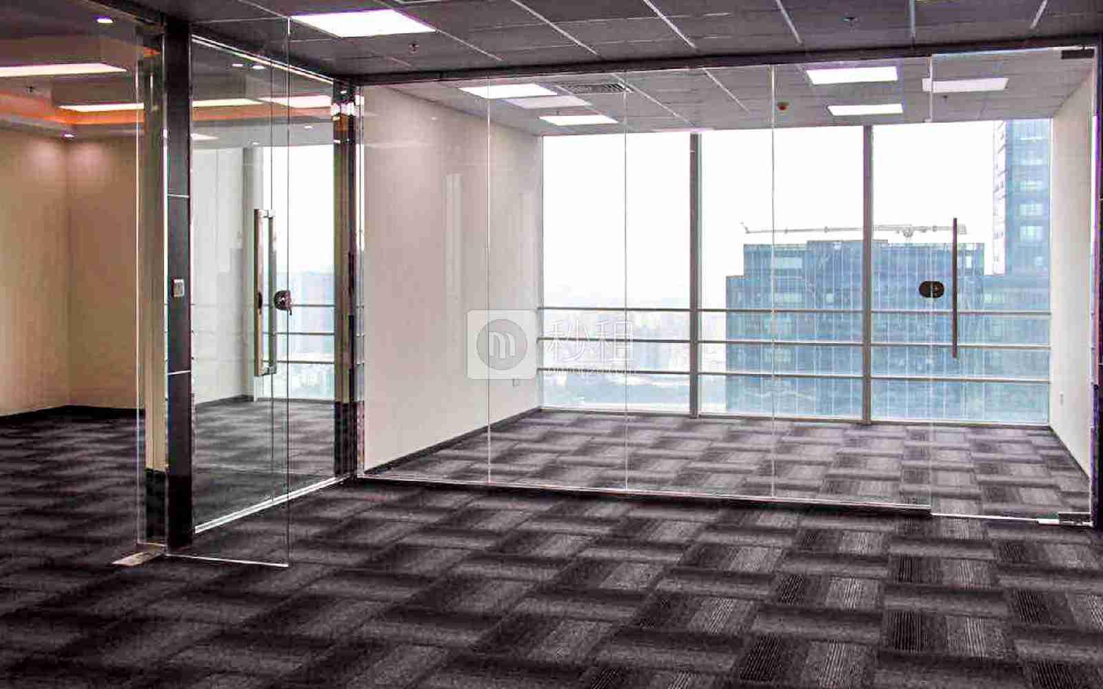 星河WORLD(二期)写字楼出租380平米精装办公室125元/m².月